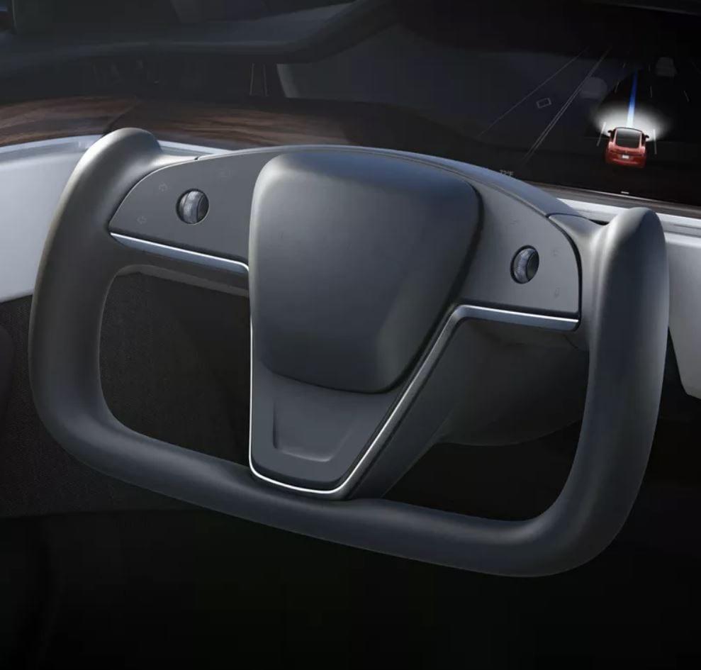 Tesla Model S: il volante a cloche è completamente legale, almeno in Regno Unito