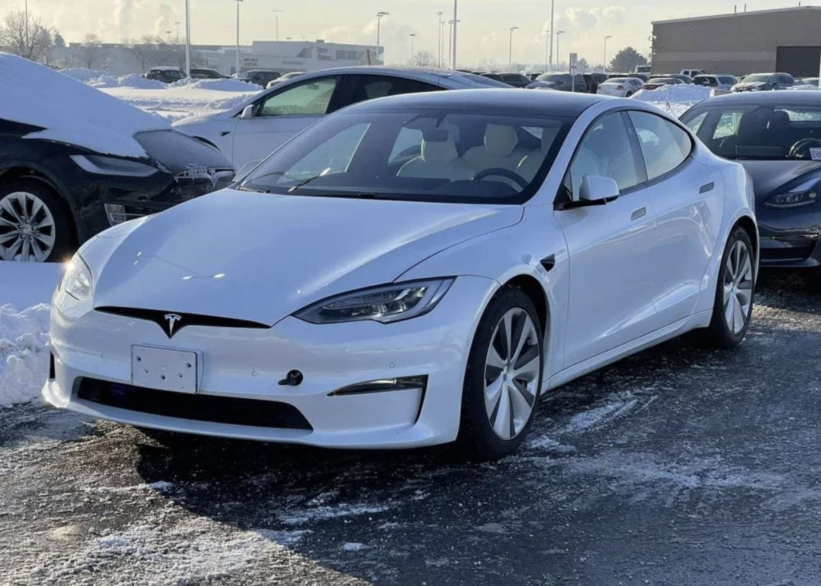 "Tesla: l'""autopilota"" era attivo la sera dell'incidente mortale"