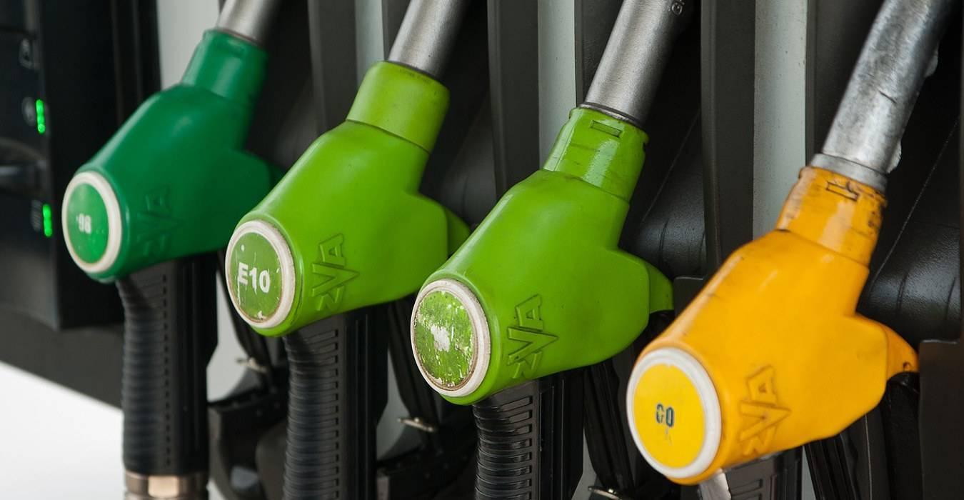 Auto a benzina, in California arrivano i primi ban all'apertura di nuove aree di servizio