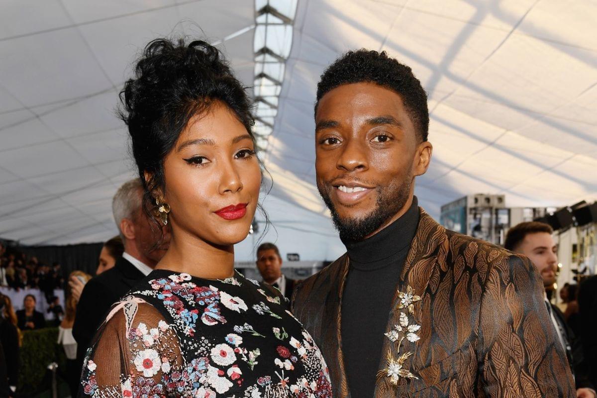 Chadwick Boseman: la moglie accetta in lacrime il Golden Globe postumo