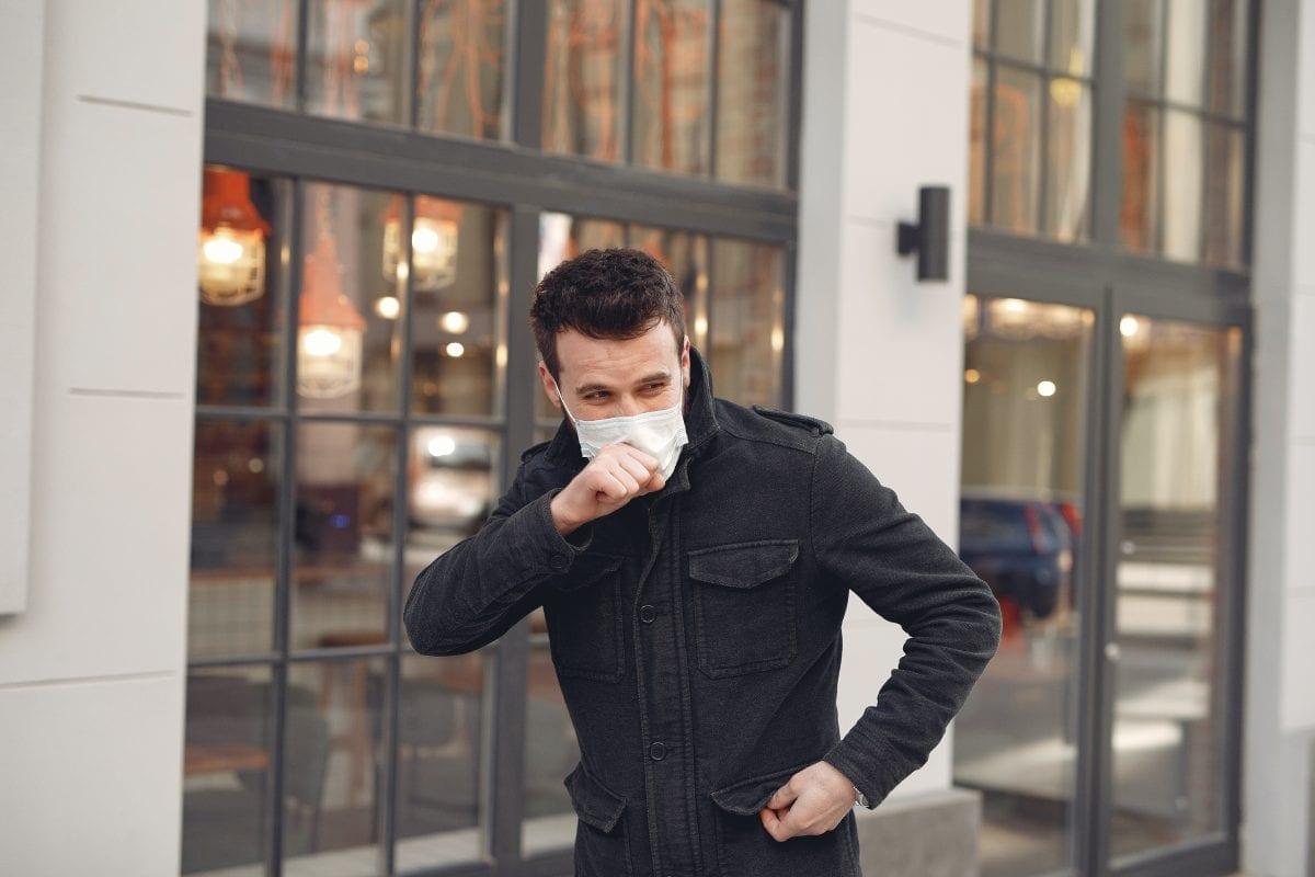 tosse con mascherina