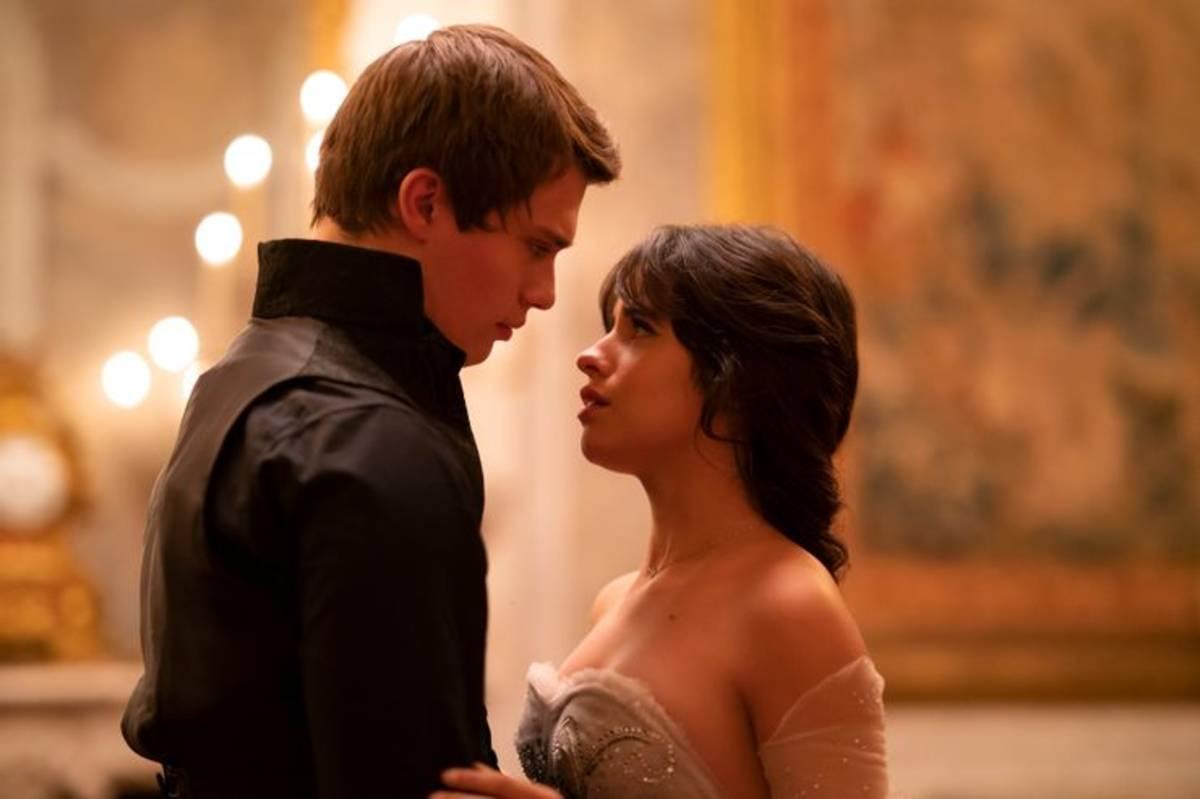 Cinderella: due nuove immagini del film con Camila Cabello