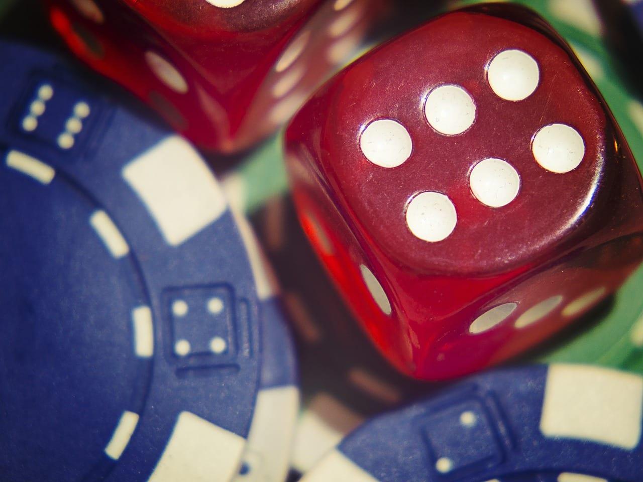 dadi e gioco d'azzardo