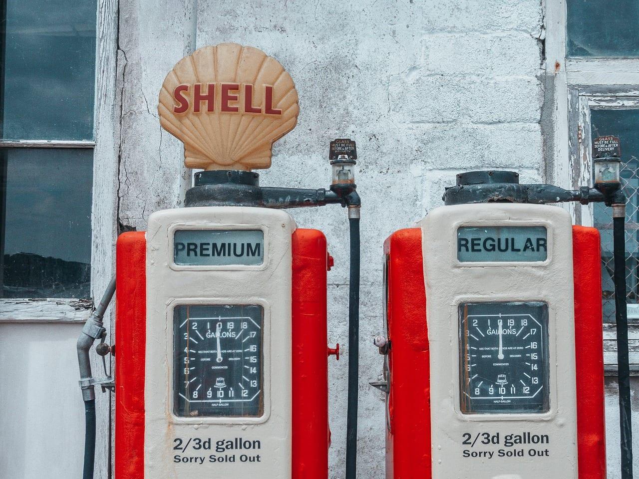 pompa di benzina shell
