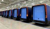 Amazon: i furgoni elettrici della Rivian si mostrano in alcune bellissime foto