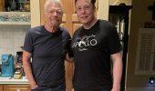 Virgin Galactic: prima del volo Richard Branson ha fatto colazione con Elon Musk, alle 3 di mattina