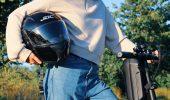 Monopattino elettrico casco