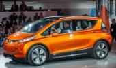 Chevrolet Bolt, GM richiama tutte le auto: le batterie prendono fuoco, danni per 1,8 miliardi di dollari