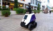I robot sentinella sguinzagliati dalla polizia di Singapore
