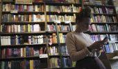 Amazon non potrà più spedire i libri gratis, la proposta della Francia per rendere le librerie più convenienti dell'online