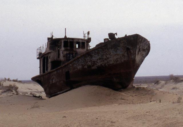 Le Navi Abbandonate Del Lago D Aral Leganerd
